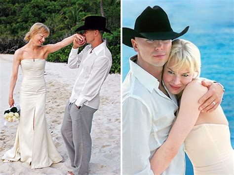 renee zellweger wedding dress 14 wedding dresses we love preowned wedding dresses