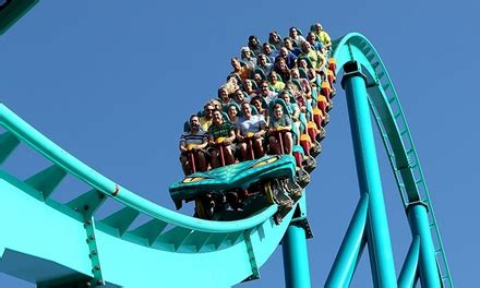 theme park groupon canada s wonderland montreal deal of the day groupon