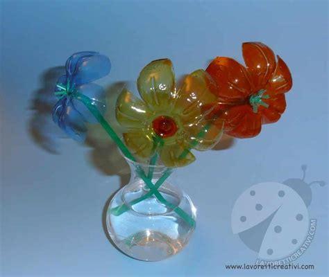 fiori con bicchieri di plastica fiori con bottiglie di plastica e cannucce lavoretti