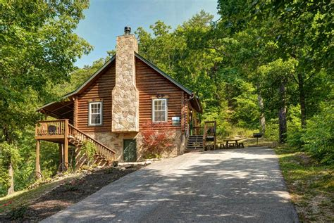 Cheap Cabins In Tennessee by Cheap Cabin Rentals In Gatlinburg And Pigeon Forge Tn