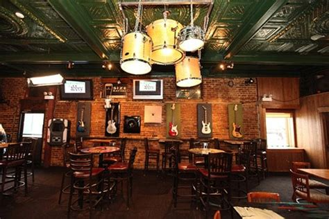 the green room chicago the pub s facelift makes its tv debut bleader
