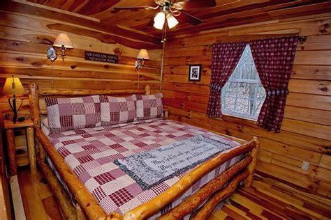 Ohio Cabin Bed by Luxury Hocking Ohio Cabin Rental Loft Cabin