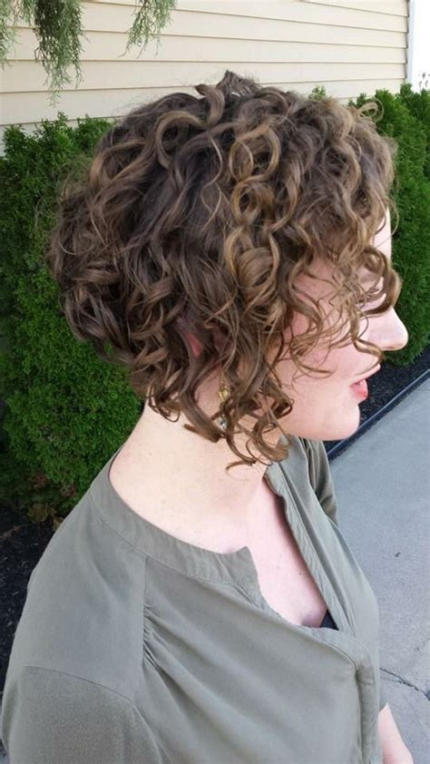 adding curl to an angle bob best 25 curly inverted bob ideas on pinterest long