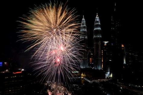 new year 2018 malaysia malaysia welcomes new year 2018 with fireworks display