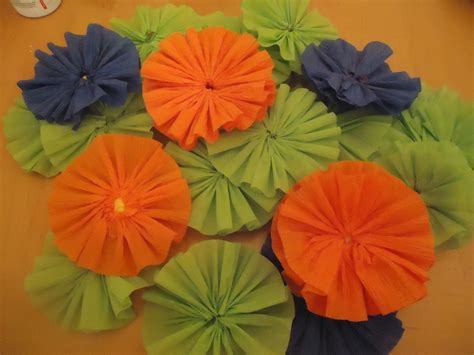 How To Make Crepe Paper Rosettes - frugal home design crepe paper rosettes tutorial