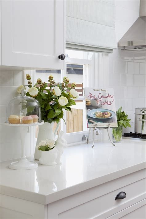 white kitchen cabinets with white countertops 25 best ideas about white quartz countertops on pinterest