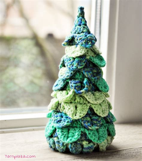 pattern christmas tree crochet a christmas tree free pattern yarnplaza com