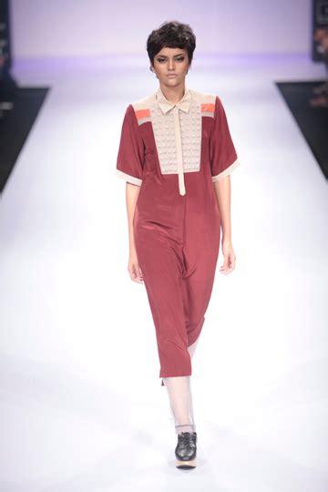 Dress Chika Wayang Maroon bodice by ruchika sachdeva lfw winter festive 2012 vogue india fashion trends