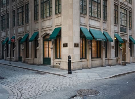 st for luxury hotel in new york new york the wall inn