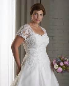 plus size wedding dresses with sleeves and color 1000 images about plus size wedding dresses on
