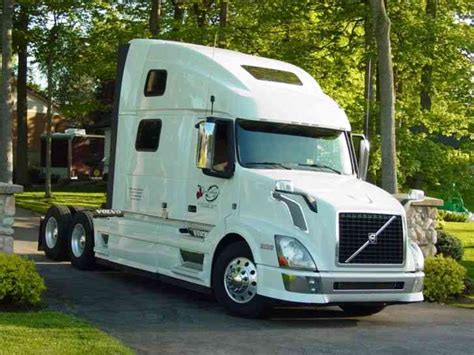 2013 volvo semi volvo 780 2013 sleeper semi trucks