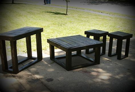 Do It Yourself Living Room Table Diy Building A Rustic Coffee Table For Your Living Room