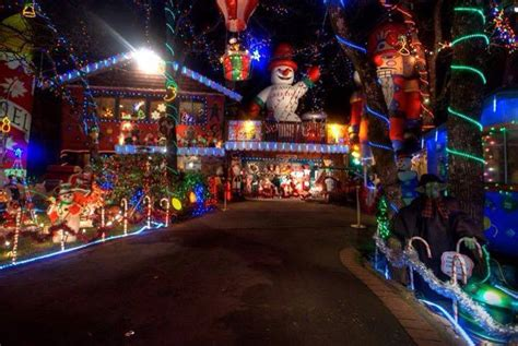 submit  home    annual victoria buzz christmas lights  map