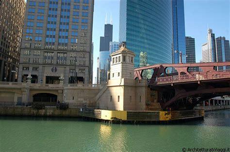 Architectural River Cruise Architectural River Cruise I Caratteristici Ponti In Ferro Che Attraversano Il Chicago River