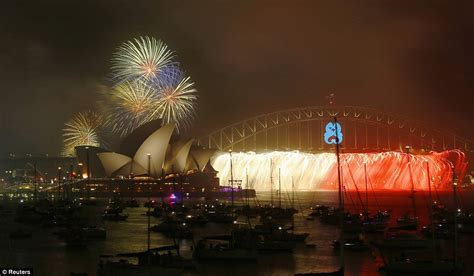 new year date australia australia welcomes 2015 with a with sydney fireworks
