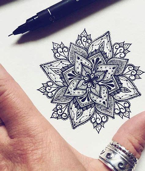 tattoo mandala petit beau modele en dessin pour tatouage mandala tatouage femme