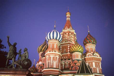 visto consolare russia viaggio organizzato con volo da bari mosca e san
