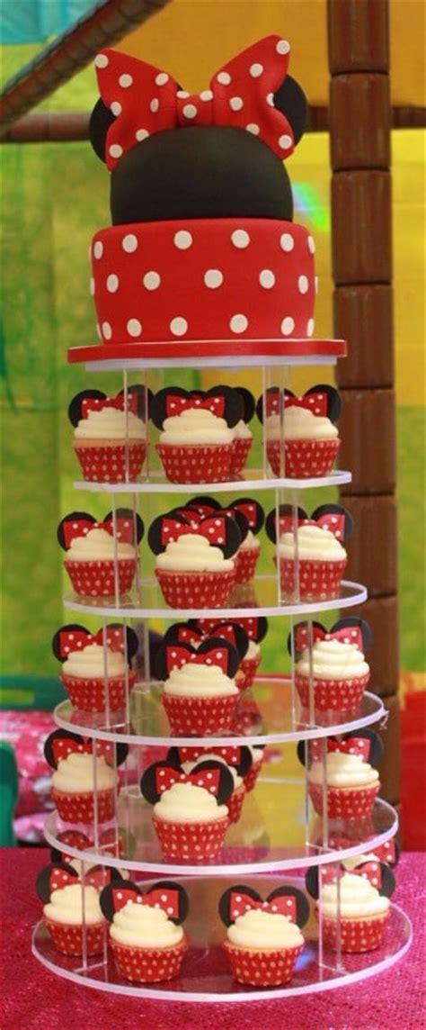 decoracion de tortas con crema de minnie tortas de minnie mouse en crema centros de mesa para
