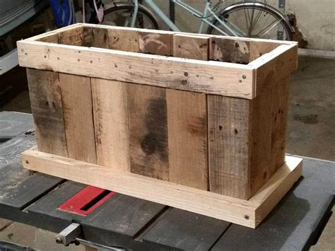 pallet planter box upcycled pallet planter designs