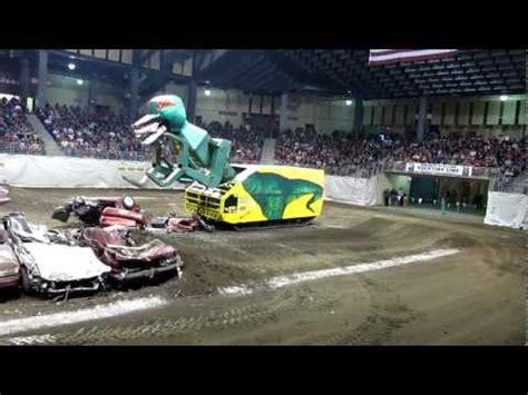 Transformer Dino Robot Dinosaurus Road Wheel M1 transaurus robot machine that eats cars the