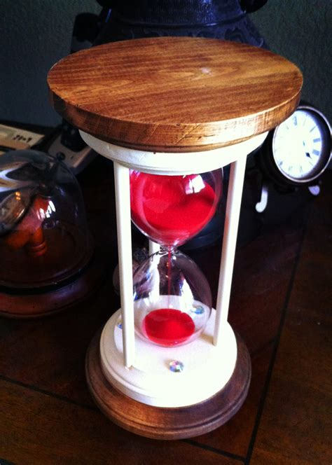 Handmade Hourglass - hourglass pinwire