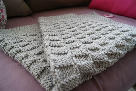tricoter une couverture pour bebe