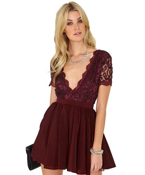 Aleena Dress missguided aleena eyelash lace plunge neck puffball mini dress in burgundy in burgundy lyst