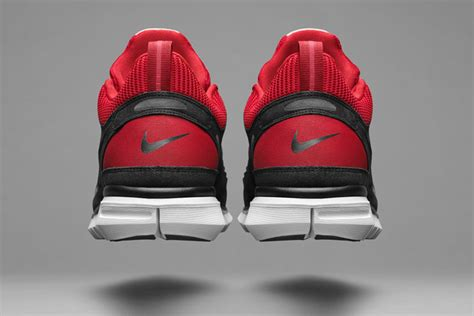 running shoes back nike brings back the original free running shoe