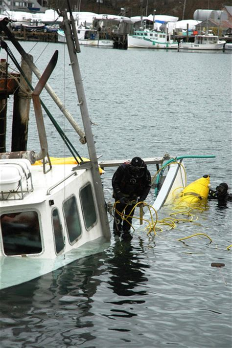 boat sinks on wicked tuna wicked tuna boat sinks recovered local news