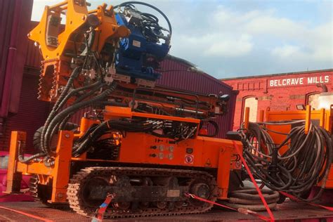 hutte 203 piling rig drilling rig hire mini piling plant hire