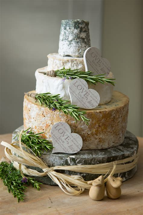 Wedding Cakes Made Of Cheese six tips to create the cheese wedding cake