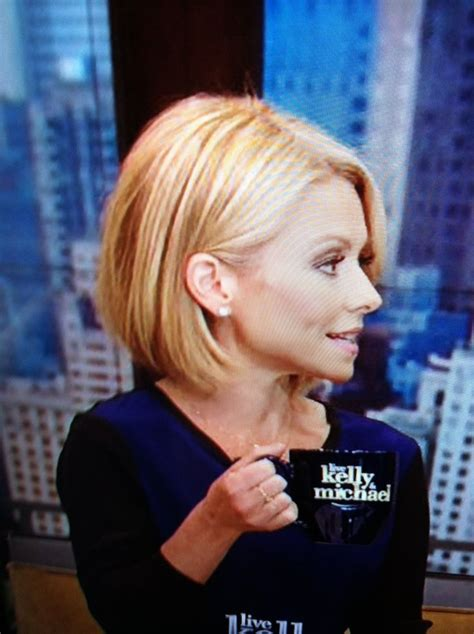 kelly rippa short wavy bob kelly ripa bob haircut i love being able to wear my hair