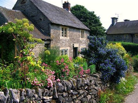 a cottage garden cottage garden wallpaper wallpaper gallery