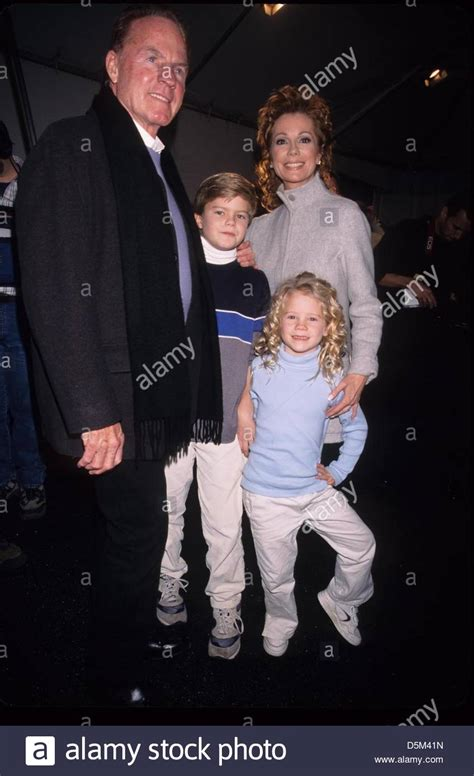 kathie lee gifford producer kathie lee gifford with husband frank gifford and their