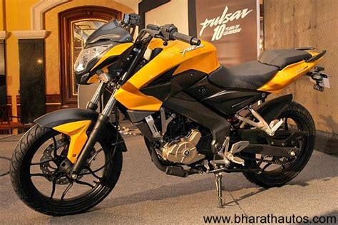 bajaj pulsar 200 new model new bajaj pulsar 200 ns fast proving to be well worth the wait
