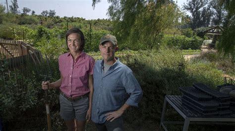 filme schauen the biggest little farm an l a couple left urban life to start the biggest