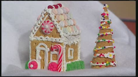 gingerbread house with graham crackers mini graham cracker gingerbread houses youtube