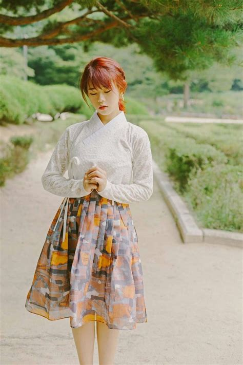 Midi Hanbok Skirt 1000 ideas about korean hanbok on korean