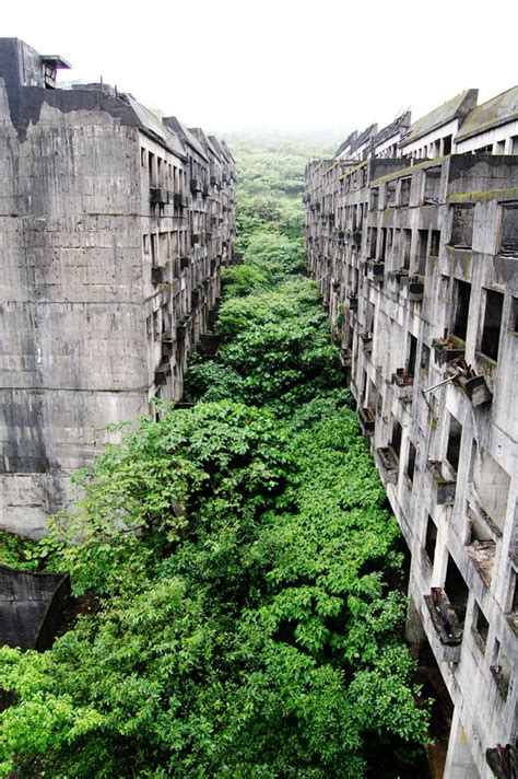 Top 10 Abandoned Places In The World | dirtbin designs the most beautiful abandon places in the