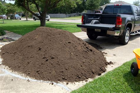 one yard of gravel weight 1 cubic yard of mulch car