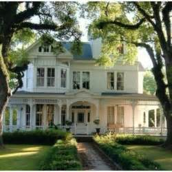 House With A Porch by Wrap Around Porch I D Live Here Pinterest