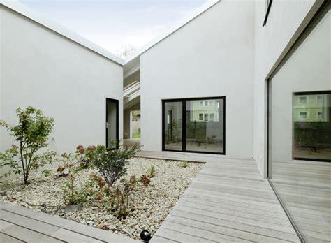 low cost haus low cost einfamilienhaus mit innenhof bei wien geht so