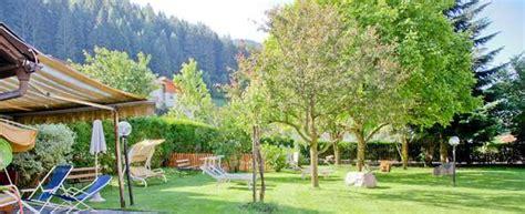 il giardino gelato il giardino e prato prendisole albergo hotel al