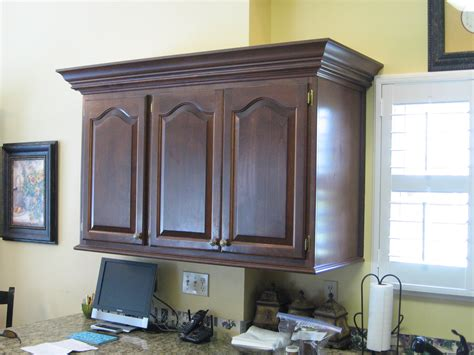 Trim For Cabinets by What Is A Light Rail Procraft Woodworks