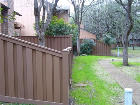 customer installation pictures trex fencing the composite alternative to wood vinyl