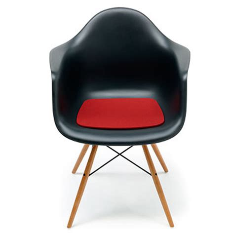 eames stoel friesland lekker zitten op vitra eames inspiraties showhome nl