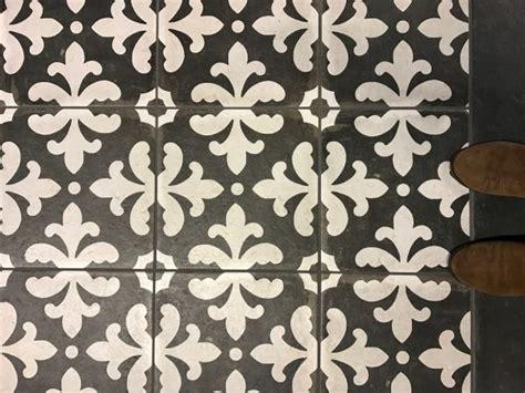 porcelain tile that looks like cement tile ceramic tile that looks just like cement tile the