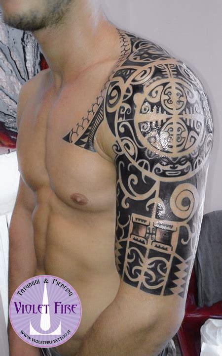 tatuaggi fiori maori tatuaggio maori tatuaggio tribale violet
