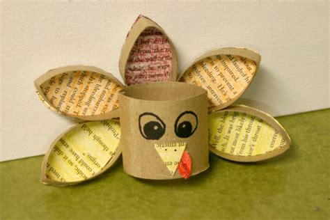 How To Make A Turkey On Paper - 20 creative turkeys made with toilet paper rolls guide