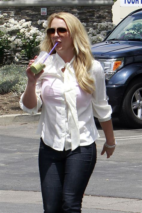 Britneys Wears Pink by Photos Photos Gets